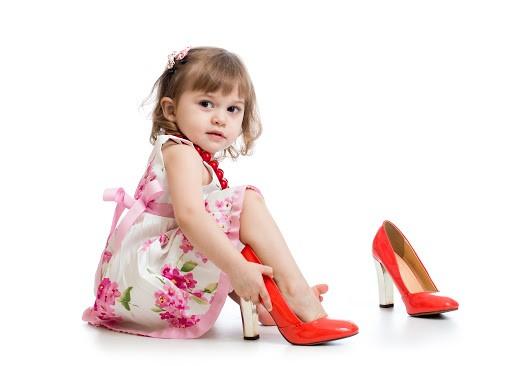 چگونه کفش مناسبی برای کودک انتخاب کنیم؟