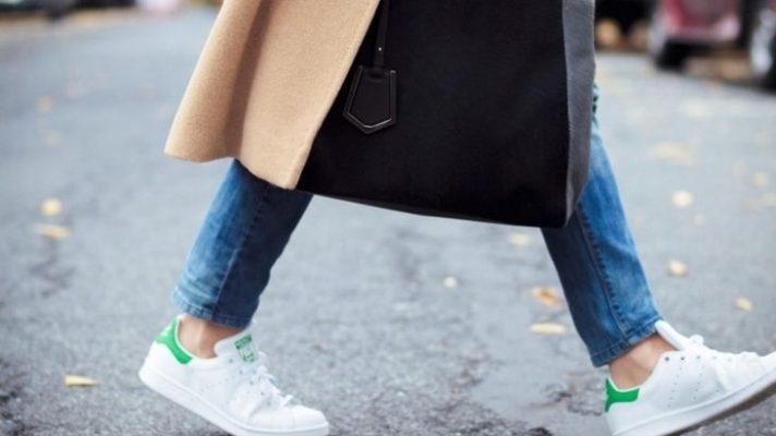 آیا پوشیدن جوراب با کفش کتانی ضرورت دارد؟