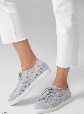 کفش رنگی