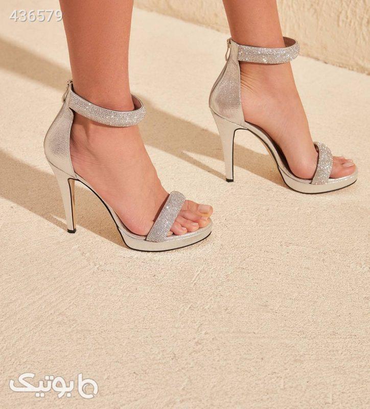 معرفی انواع مختلف کفش های زنانه