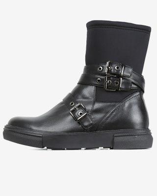 کفشهای سگکدار